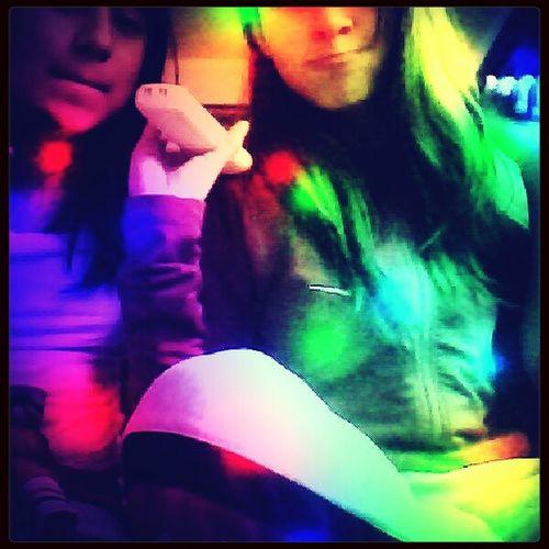 ella es mi mejor amiga y que cren????? la amo. con todo mi corazoncito