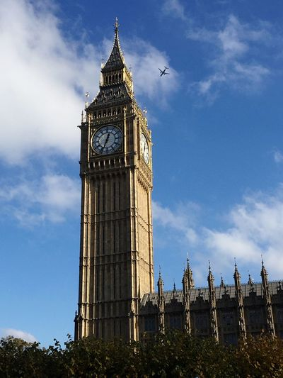 Big Ben Airplane London Cloud - Sky Architecture Tower Clock Tower Time Sky Clock City Low Angle View Built Structure Travel Destinations Cultures Building Exterior Day Outdoors Grass No People Clock Face Minute Hand Traveling Travel Photography