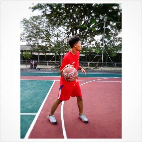 Basket Ini hanya sekedar kemauan dan usaha bukan cuma eksis dan gaya. 👆👊👐 Basketball Basketforlife