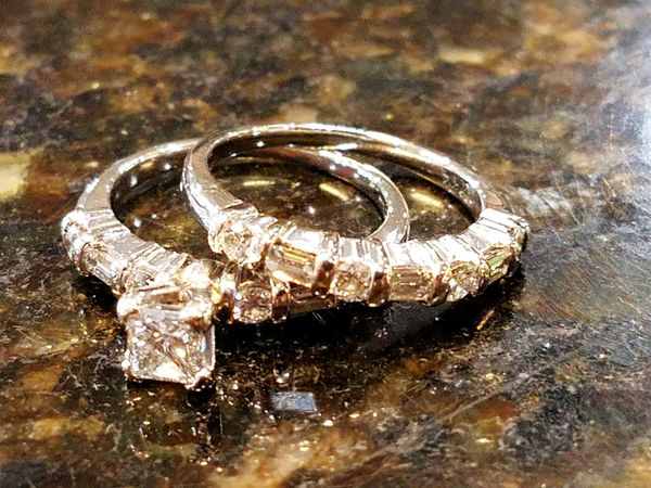 Jewelry No People Wedding Close-up Day Indoors  The Street Photographer - 2017 EyeEm Awards Women Jewellery💎 Diamonds Are A Girl's Best Friend Diamond Ring Texas