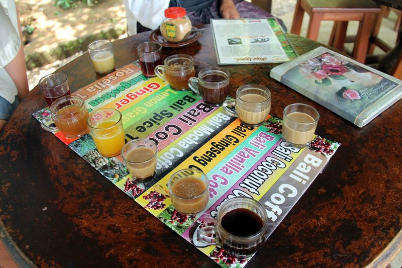 Kaffe Probe Table High Angle View Drinking Glass Indoors  Day Multi Colored An Eye For Travel No People Food Close-up
