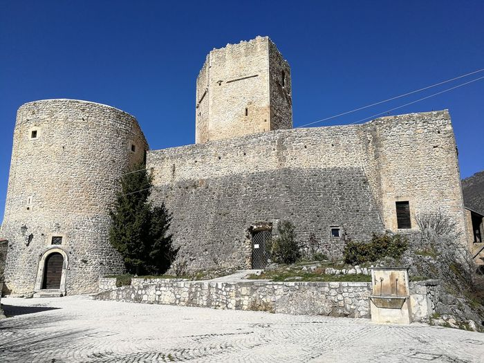Architecture Building Exterior History Built Structure The Past Clear Sky Sky Fort Building Nature No People Wall Travel Destinations Castle Outdoors Old Ancient Day Place Of Worship Sunny Ruined Castello Cantelmo Castello Cantelmo