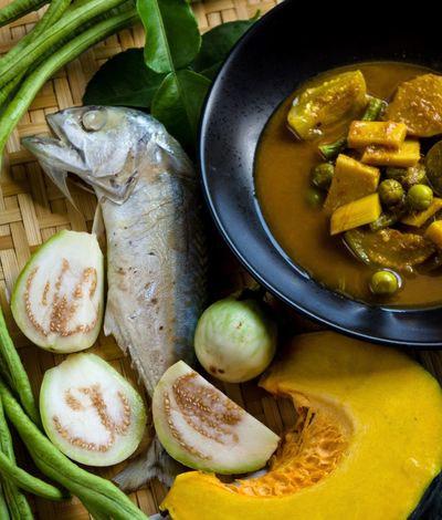 แกงไตปลา Bowl Close-up Curry Eggplant Food Food And Drink Freshness Healthy Eating High Angle View Indoors  Kaffir Lime Leaves No People Pumpkin Ready-to-eat Short Mackerel Spicy Food Spicy Thai Food Thai Culture Thai Food Vegetable