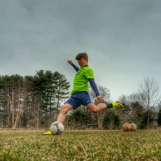 Practice makes perfect. I cant believe Jakob is 13 now and growing faster than ever Proudpapa Footballislife Soccer Nike Practice Dedicated Clouds And Sky Spring