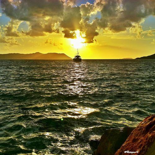 Güneşli bir gündü iyi akşamlar diliyorum dostlar Kas Lihthause Sunset Meisısland Sea View Yacht