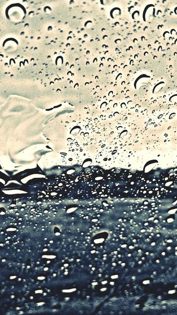 Pluviophile... That I Am ...●_● Blackandwhite... Raindrops On My Window