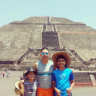 Ernuel Eros Hristo Sobrinos Teotihuacan 2015  Coleccionandomomentos