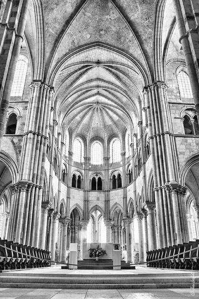Basilic De Vezelay Basilic France Vezelay Bourgogne HDR Cathedral Church Religion Architecture Black & White