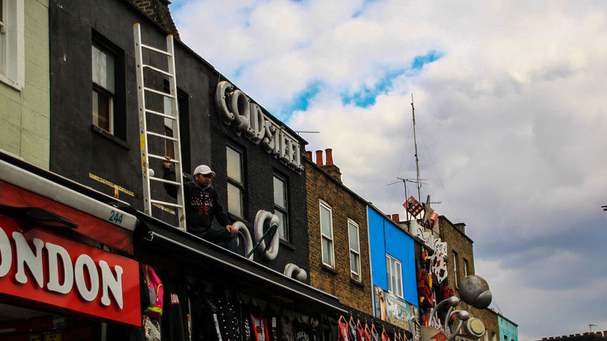 Candemlock Check This Out EyeEm Gallery Ladder Leading Lines Roof Streets Architecture Building Exterior Built Structure Candem Town City Day Outdoors People Sky Streetphotography EyeEm LOST IN London Stories From The City