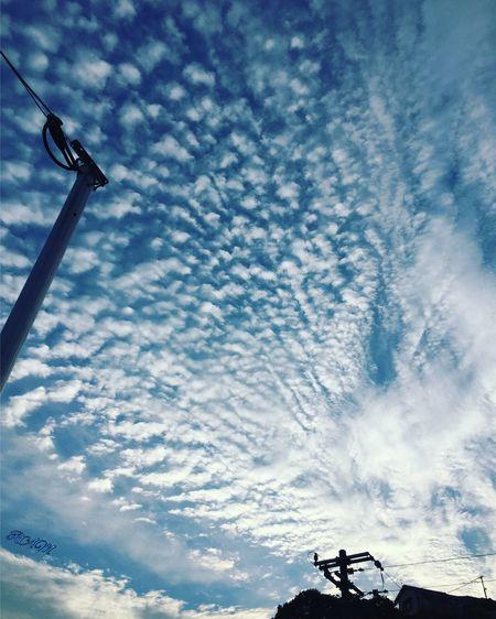 朝焼け 朝焼け 雲 空 青空 いわし雲 Cloud - Sky Sky Low Angle View Technology Day Outdoors No People Nature