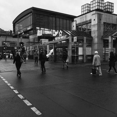 Moritzdornphotos (null)Berlin Street Markets Berlineransichten Blackandwhite Berlin Berlinlove Iphonephotography Berlin Life Berliner Ansichten Berlindubistsowunderbar (null)Berlin Photography Berlin Street Photography