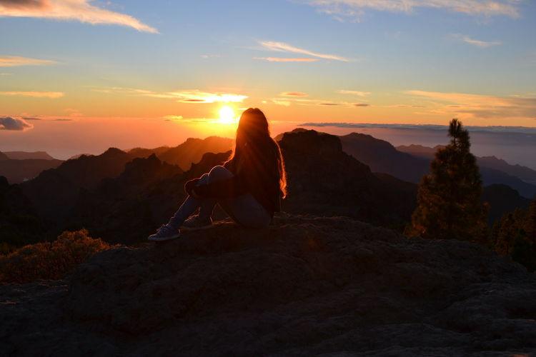 Roque Nublo Anocheciendo ELLA❤ Paseito