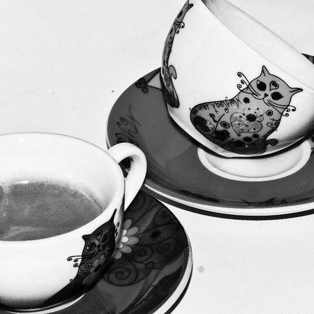 sabe igual me pregunto? no,no sabe igual sin el sabor de tus labios despues 😏😘😘😢 Coffee Coffee Time Tranquility Obsession My Obsession Pensamientos En Voz Alta Mimundoytu Love Is In The Air Aprenent Love ♥