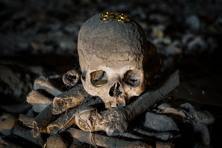 Cimitero delle Fontanelle (Napoli) Cimiterodellefontanelle Italia Naples, Italy Napoli Napolipix November Soul Traditional Culture Underground Cemeteryscape Darkness And Light Folklore Italy Napoliphotoproject Skull Skulls Skulls And Bones Skulls💀 Superstition