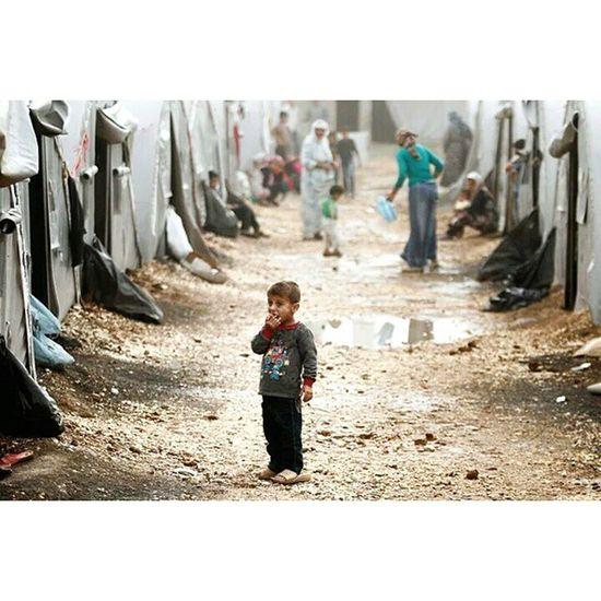 Syria  Kobane Isis YPG pyd refugee documentary journalism photojournalism işid sanliurfa turkey war border Suruç mülteci Kampı.