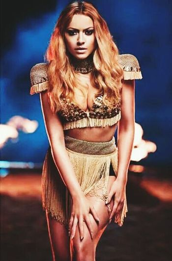 Hadise Lovelovelove
