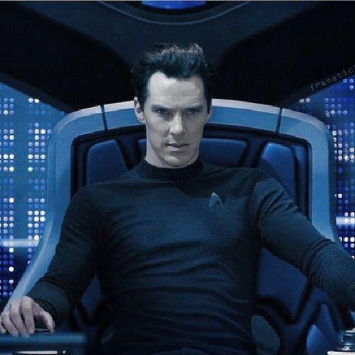 тьфу ты, и Startrek оказался скучным. если бы не Cumberbatch , то на двоечку