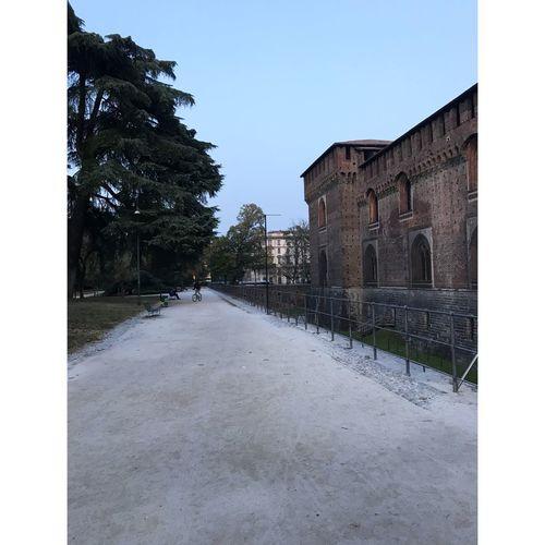 🔺 ᴄᴀsᴛᴇʟʟᴏ sғᴏʀᴢᴇsᴄᴏ 🔺 Milano Castello Sforzesco Architecture No People Photography Canon 1300d City Travel Passion Photo Milanodavedere