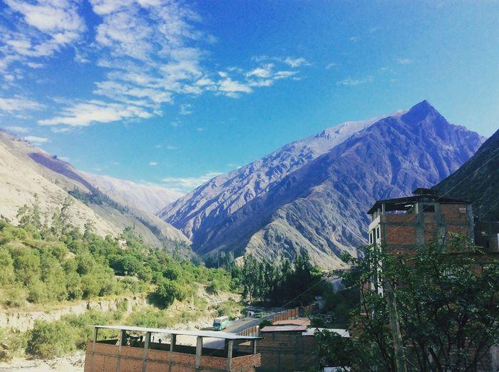 """El majestuoso Apu que da la bienvenida a la sierra"" Mountain Peru Churin Clearsky First Eyeem Photo"