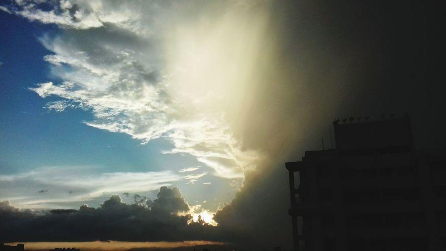 No People Thunderstorm Outdoors Storm Cloud Sky Rainyatmosphere Sky And Clouds First Eyeem Photo EyeEmNewHere The Week On EyeEm Fog Day