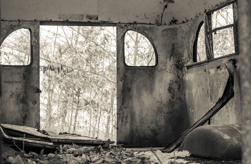 Miles Away Window Abandoned Damaged Bad Condition Ruined No People Day Obsolete Weathered Kentucky  Eye4photography  Textured  EyeEm Best Shots Bus Abandoned & Derelict Abandoned Places Barrenriverlake Barren River Dam 'Tailwater' Light Textured