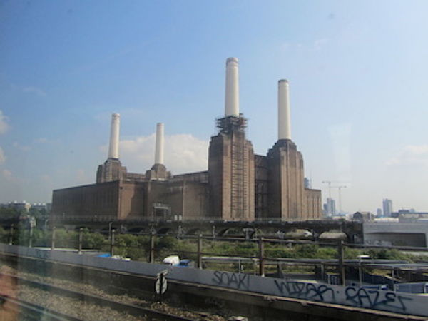 Battersea Power Station LONDON❤ London Architecture Building Exterior Built Structure City Day Industry Modern No People Outdoors Sky Urban Skyline