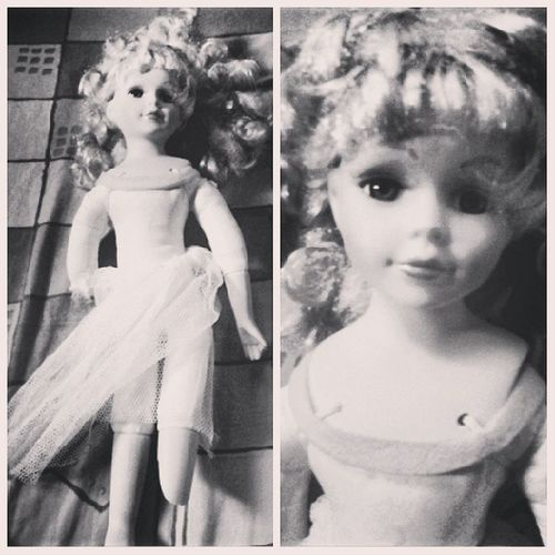 """Let's play HIDE and CLAP."" eerk~ scariest doll in here. Chakadoll"