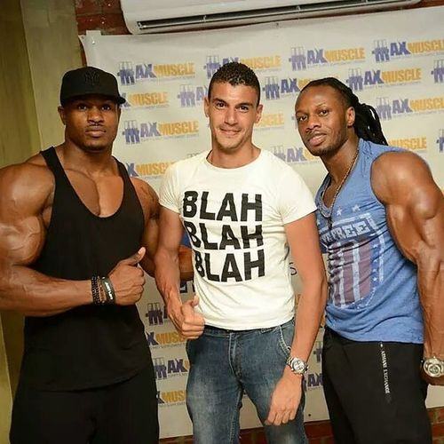 Feeling so lucky for meeting the legends @simeonpanda & @ulissesworld and I hope u enjoyed ur trip to Egypt.,, best wishes. Ulissesworld Simeonpanda Fitness Max shredded egypt maxmuscle cairo legends fun happy justlift discipline fit dedicated