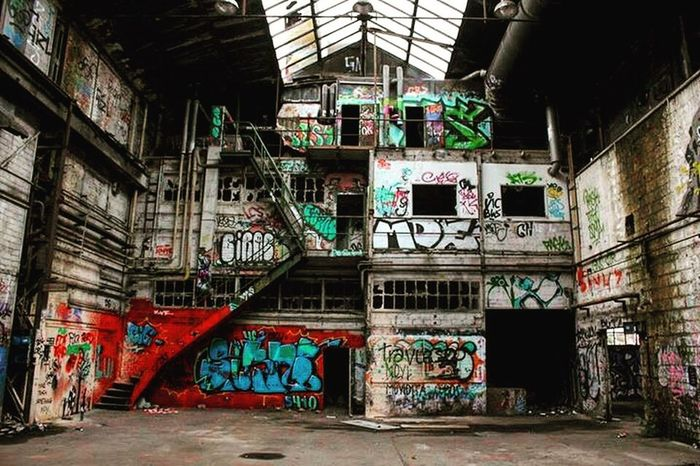 Graffiti Architecture Built Structure Abandoned Street Art Indoors  No People Wall 18-55mm Past Old Buildings Graffiti Art Old Ruin Lostfabric Forgetplaces Color