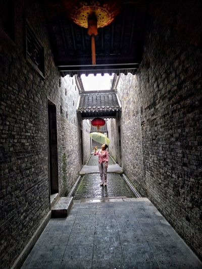 Built Structure Full Length Architecture One Person Indoors  Real People People Illuminated One Woman Only Day Adults Only Only Women Adult 扬州之旅 Geyuan @Yangzhou