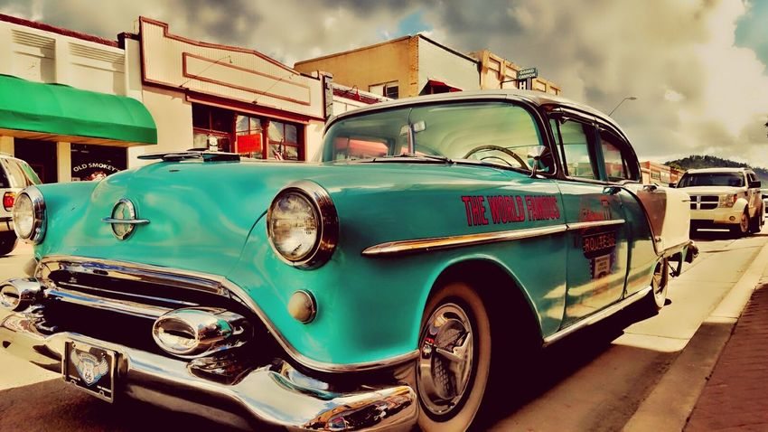Arizona. Travel Destinations Green Color LoveMyWork Myphotography. Streets. Arizona. Vintage. Cars. Beautiful Simplicity No People Outdoors Sky Arizona Solitude Adventure Photography. Day