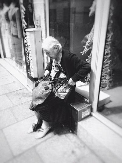 Old Woman Blackandwhite Streetphotography Blackandwhite Photography Paris ❤ France Street