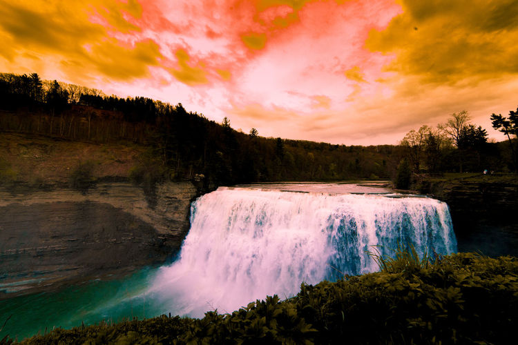 Letchworth State Park #EyeEmNewHere EyeEmNewHere Fineartphotography Finearephotographer Conceptualphotography Fineartportrait Artisticphotography Emotive Artisoninstagram Of2humans Capturedconcepts Visualsoflife L0tsabraids Featuremeofh Shades Of Winter An Eye For Travel