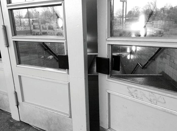 Day 283 - Open the doors Berlin Blackandwhite Sbahn 365project 365florianmski Day283