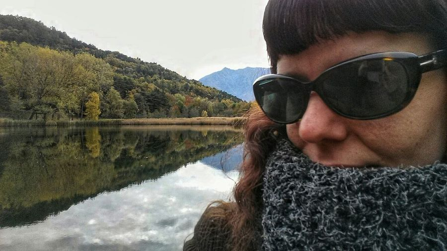 Peace And Quiet Relaxing Hello World EyeEm Gallery Lake Lake View Taking Photos Aostavalley Mountains Autumn Colors Autumn Collection Relaxing Autumn Relaxing Time Valle D'aosta Peace And Quiet Hello World That's Me Selfie ✌ Selfportrait Relax