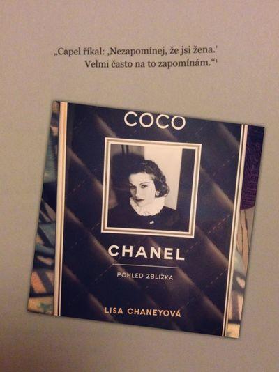 CocoChanel Kniha Book Elegance Everywhere Moda Ikona Historie