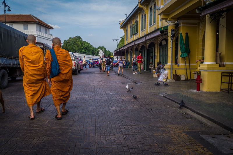 Feel The Journey Streetphotography Walking Around Monks Walk Birds Randomshot On The Road Travel Photography Olympus XZ-1