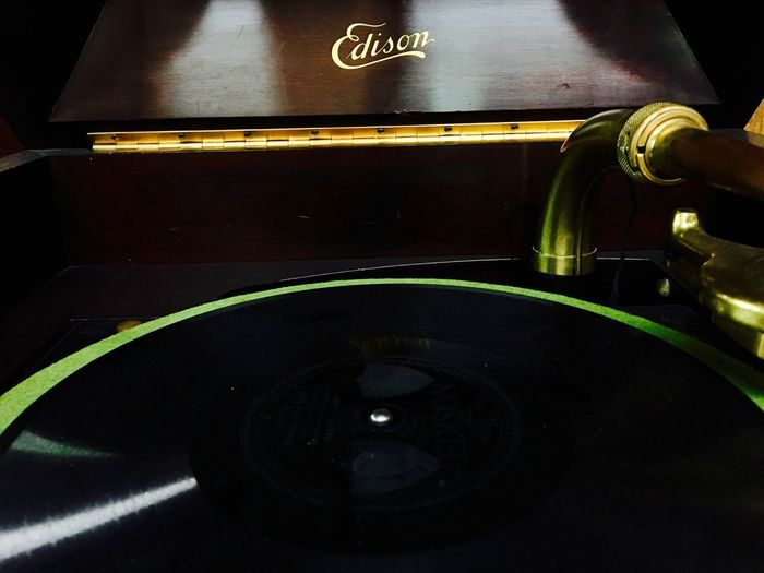 Edison Old Fashioned Turntable Vintage Style Close-up Gramophone Indoors  No People Record Record Player Record Player Needle Vintage