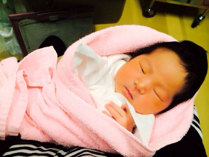 6人目の孫が1月7日に生まれました(^.^)♡早産と言われて38週まで持ってなんと…赤ちゃん?3245gの身長50.5cmのビッグベビー?とても可愛い❤️