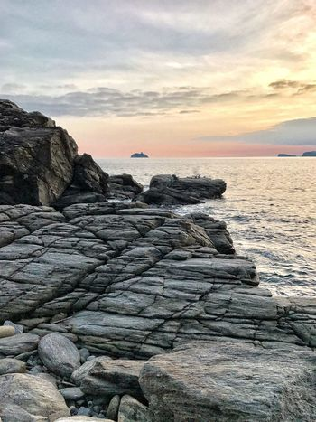 Autumn Sunset Colours Beautiful Sea Sunset Sky Water Nature Beauty In Nature Horizon Over Water Scenics Beach Rock - Object Tranquil Scene Cloud - Sky Tranquility Outdoors No People Day The Week On EyeEm Oseto Japan