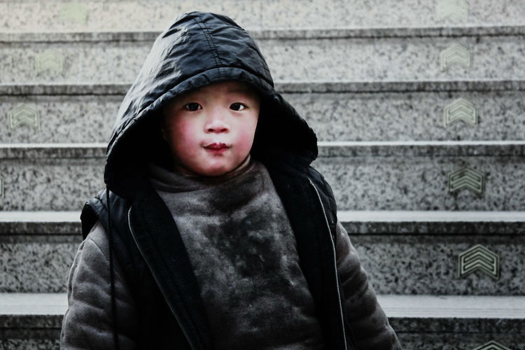 Check This Out Child China Day Homeless Homelessness  Innocence Lifestyles Person Street Thoughtful