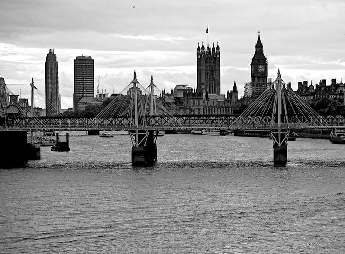 Westminter pallace skyline Lost In London Westminster Urban Skyline Cityscape Sillouettes River Thames Bank Balck And White Collection Edited My Way Black And White Photography 3XSPUnity Close-up Urban Geometry Street Photography Taking Photos Urban Exploration Architectural Design Sky Cloud - Sky City Building Exterior Architecture Golden Jubilee Bridge Bridges Clouds Above Postcode Postcards