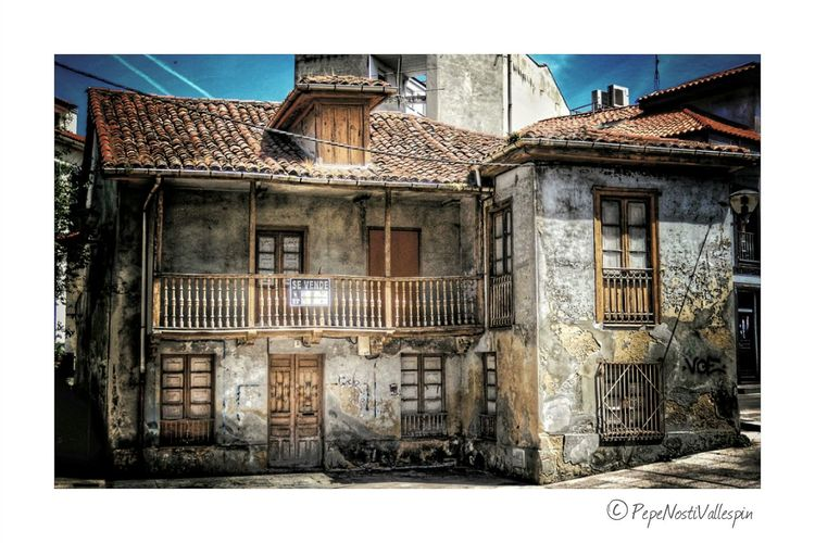 Abandoned Places Abandoned Buildings Architecture Building Exterior Built Structure Outdoors No People Poladesiero Asturias Street Photography Streetphotography Abandoned