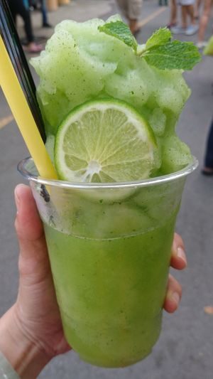 @ JJ Market🇹🇭😊 Mint Drink Lemon SabaiJai Thailand Travel Streetfood Natural Jjmarketthailand Jjmarket Human Hand Drink Smoothie Drinking Glass Lime