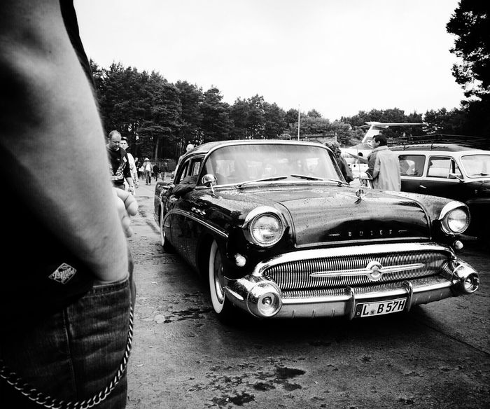 BW Collection Streetphotography Streetphoto_bw Classic Cars Vintage Cars Rock'n'Roll Rockabilly Race61 Learn & Shoot: Layering Shades Of Grey RePicture Masculinity My Best Photo 2015 B&w Street Photography Up Close Street Photography Mein Automoment
