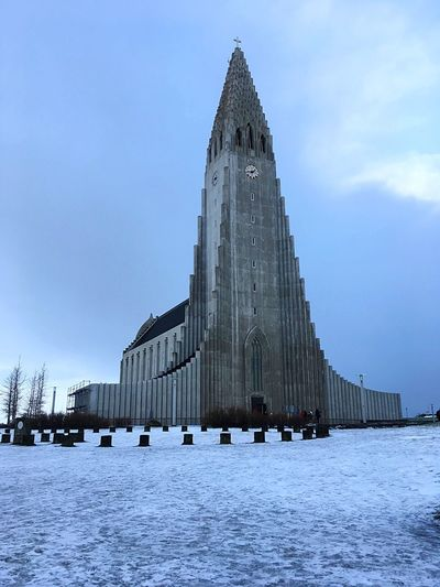 Hallgrímskirkja EyeEmNewHere Hallgrìmskirkja Reykjavik Sky Architecture Built Structure Building Exterior Nature Building Adventures In The City Travel Destinations Cold Temperature EyeEmNewHere
