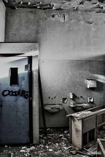Abandoned Abandoned Buildings Architecture Bathroom Built Structure Busy Day Hdrphotography Indoors  Madhouse No People