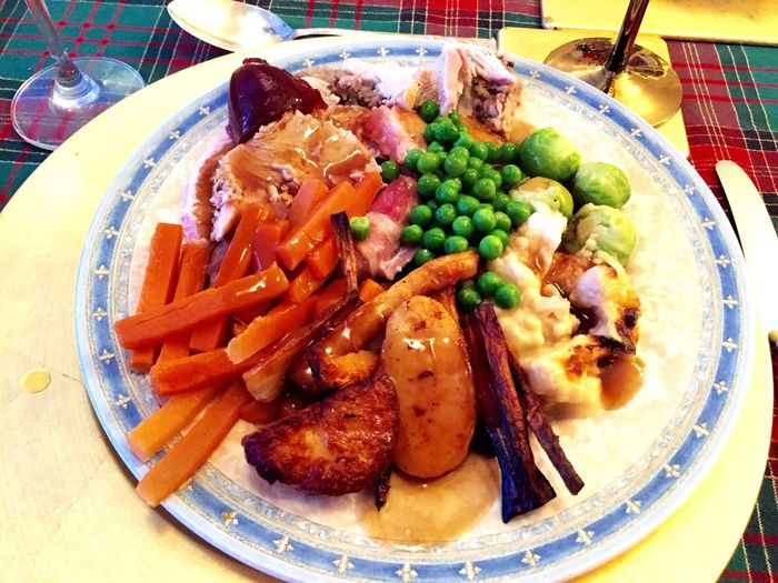 Christmas dinner Food Dinner Christmas Dinner Potatoes Sprouts Gravy Peas Turkey Stuffing Roast Potatoes Carrots Parsnip Cranberrysauce Cranberry Food Network Christmas Foodporn Foodphotography Food♡ Roast Dinner Turkey Turkey Dinner