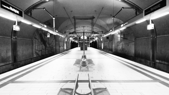Frankfurt Am Main Offenbach Am Main Marktplatz Subway Subwaystation Follow Followme Black And White Blackandwhite Symetry Monochrome Photography