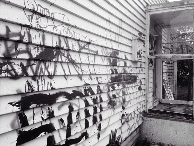 Blackandwhite Blackandwhite Photography Old House Run-down Old Part Of Town Graffiti Once Someone's Home Auckland